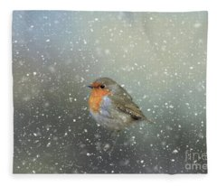 Robin In Winter Fleece Blanket