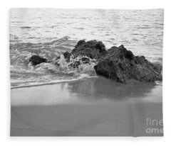 Rock And Waves In Albandeira Beach. Monochrome Fleece Blanket