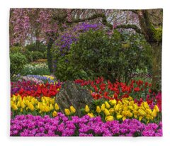 Roozengaarde Flower Garden Fleece Blanket