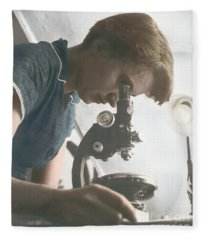 Rosalind Franklin, English X-ray Fleece Blanket