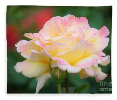 Rose Beauty Fleece Blanket