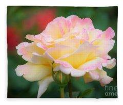 Rose Beauty Fleece Blanket