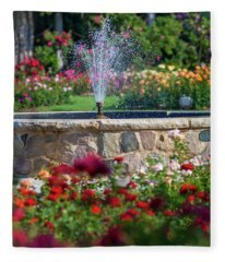 Rose Fountain Fleece Blanket