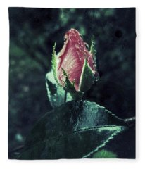 Rosebud Rain Drops Fleece Blanket