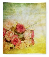 Roses Pattern Retro Design Fleece Blanket