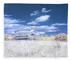 S C Upstate Barn Faux Color Fleece Blanket