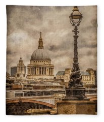 London, England - Saint Paul's Fleece Blanket
