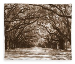 Savannah Sepia - Glorious Oaks Fleece Blanket