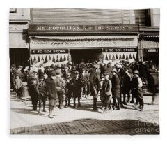 Scranton Pa Metropolitan 5 To 50 Cent Store Early 1900s Fleece Blanket