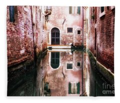 Secluded Venice Fleece Blanket