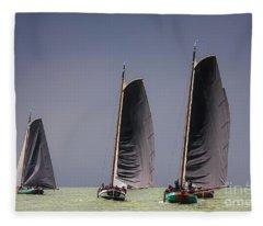Skutsje Wedstrijd Voor De Wind Fleece Blanket