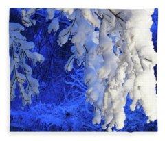Snowy Blue Morning Fleece Blanket