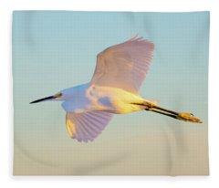 Snowy Egret In Flight Fleece Blanket