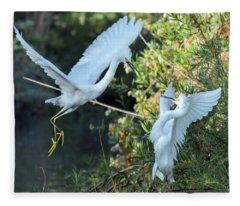 Snowy Egrets Dispute 9271-120317-2cr Fleece Blanket