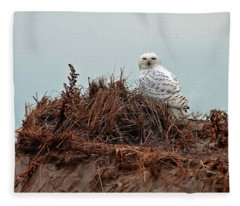 Snowy Owl In Dunes Fleece Blanket
