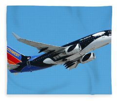 Southwest Boeing 737 Shamu At Sky Harbor April 13 2006 Fleece Blanket