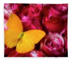 Soutime Roses And Yellow Butterfly Fleece Blanket