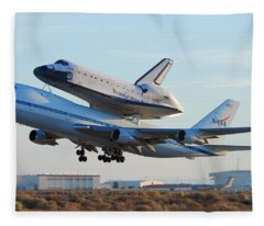 Space Shuttle Atalantis Departs Edwards Afb July 1 2007 Fleece Blanket