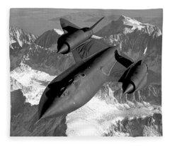 Sr-71 Blackbird Flying Fleece Blanket