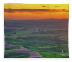 Steptoe Butte Sunset Rolling Fields Fleece Blanket