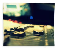 Studio Moments - Faders Fleece Blanket