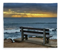 Sunrays On The Horizon Fleece Blanket