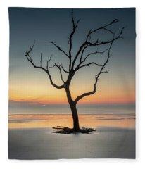 Sunrise And A Driftwood Tree Fleece Blanket