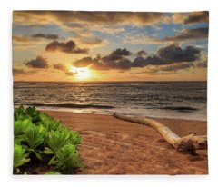 Sunrise In Kapaa Fleece Blanket