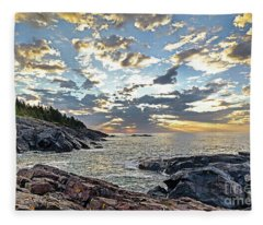 Sunrise On Christmas Cove Fleece Blanket