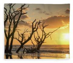 Sunrise Over Sea Fleece Blanket