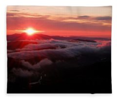 Sunrise Over Wyvis Fleece Blanket