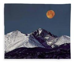 Supermoon Lunar Eclipse Over Longs Peak Fleece Blanket
