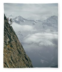 T-404101 Climbers On Sleese Mountain Fleece Blanket