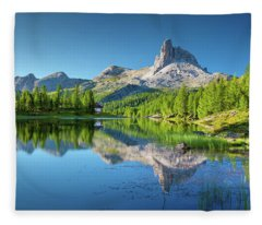 The Great Northwest Fleece Blanket