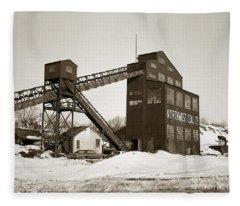 The Northwest Coal Company Breaker Eynon Pennsylvania 1971 Fleece Blanket