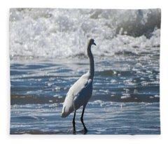 Egret And The Waves Fleece Blanket