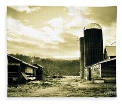 The Old Farm Fleece Blanket