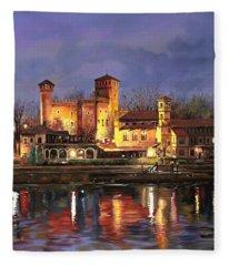 Torino-il Borgo Medioevale Di Notte Fleece Blanket