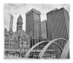 Toronto 2017 Black And White Fleece Blanket