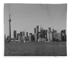 Toronto Cistyscape Bw Fleece Blanket