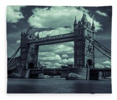 Tower Bridge Bw Fleece Blanket