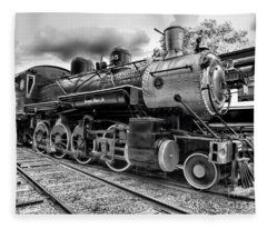 Train - Steam Engine Locomotive 385 In Black And White Fleece Blanket