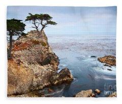 Cliffs Fleece Blankets