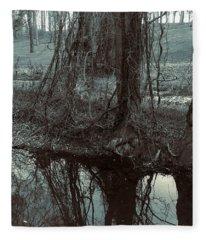 Tree Vines Water Fleece Blanket