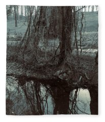 Tree Vines Water Fleece Blanket