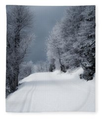 Trees Hills And Snow Fleece Blanket