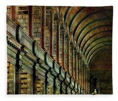 Trinity College Library Fleece Blanket