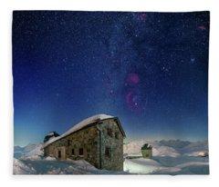 Tschuggen Observatory Fleece Blanket
