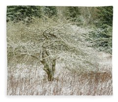 Twisted Dotted Thorn Tree Snow Fleece Blanket