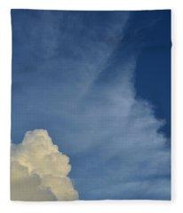 Two Tone Clouds 9384 Fleece Blanket